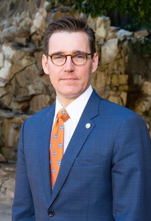 A Sociedade Americana de Cirurgiões Plásticos nomeia Joseph E. Losee, MD, FACS, FAAP, como novo presidente 13